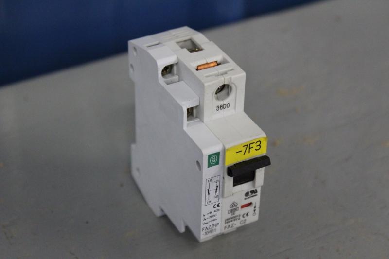 PWE057-A022-02.JPG