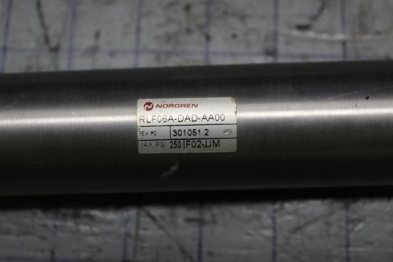 P10857-3.jpg