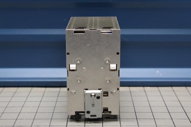 P10011-06