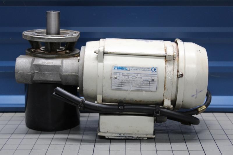 P10025-02