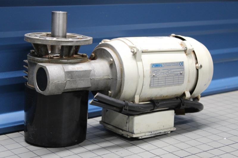 P10025-05