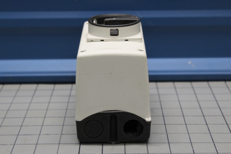 P108139-05.JPG