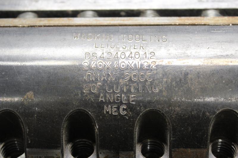 T105103-05.JPG