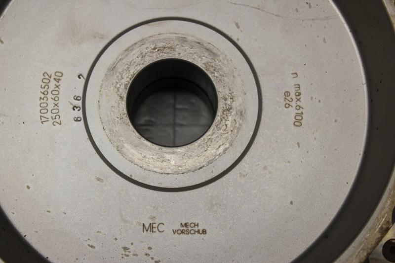 P10035-08.JPG