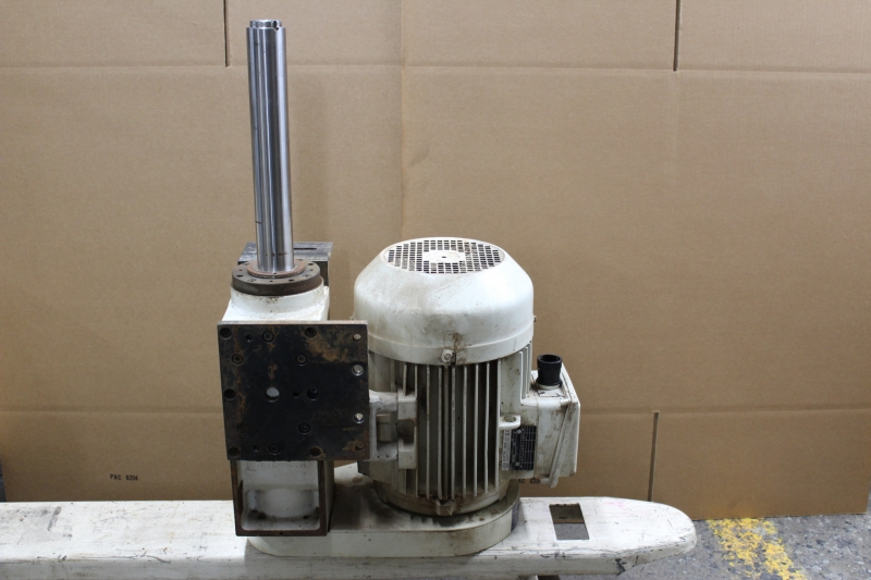 P10039-06.JPG