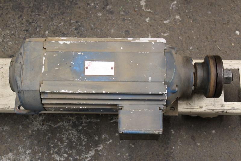 P06810-05.JPG