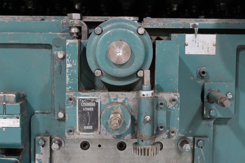 52117i-09.JPG