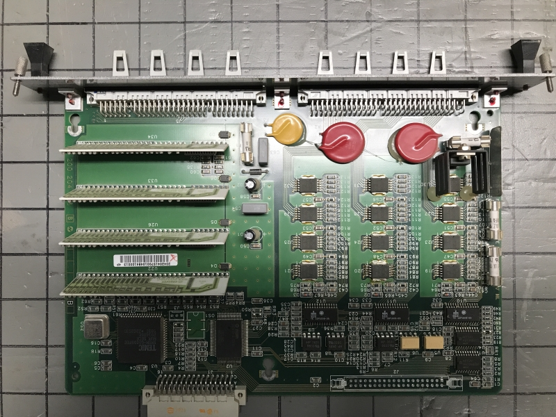 P05714-int-02.JPG