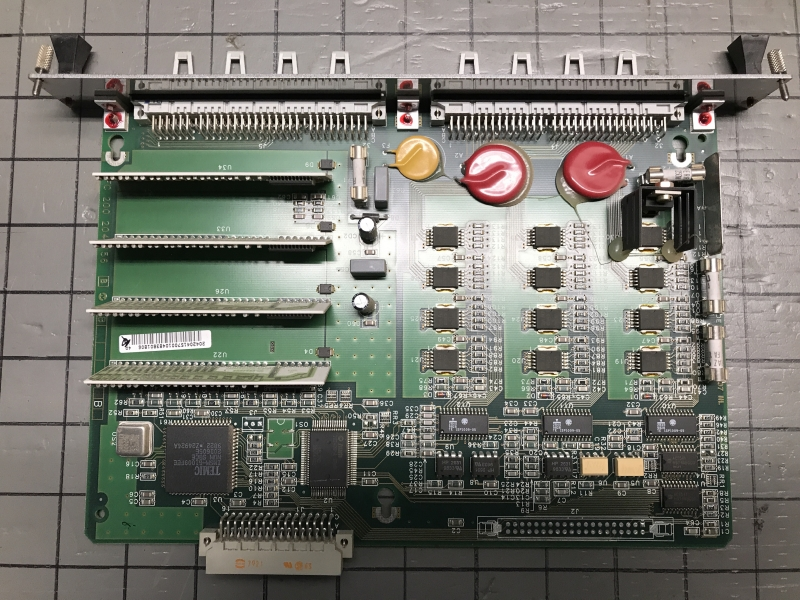P05714-int-04.JPG