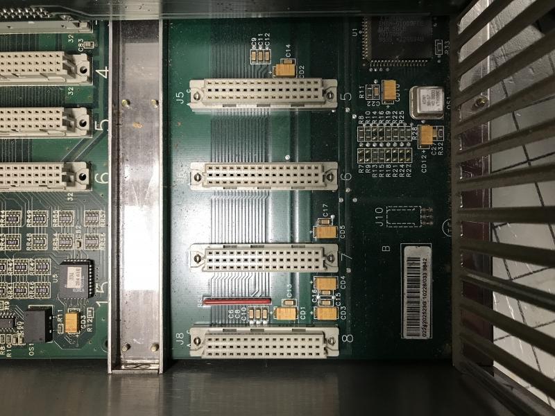 P05714-int-08.JPG