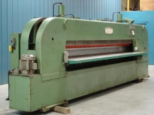 In Woodworking, Slicing Machine Operators Use Machines That Slice Pieces Of  Wood And Other Materials That Are Used For Woodworking.